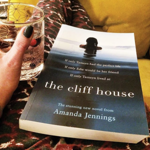 Amanda Jennings - The Cliff House